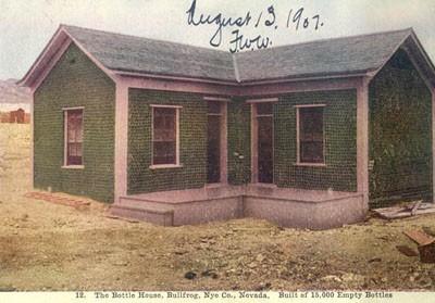 Egy régi kép a Bottle House-ról