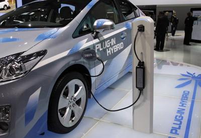 Toyota-Prius-Plug-In-Hybr-001