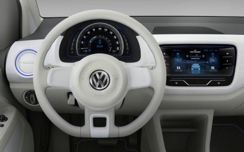 Volkswagen-Twin-Up-Concept-steering-wheel