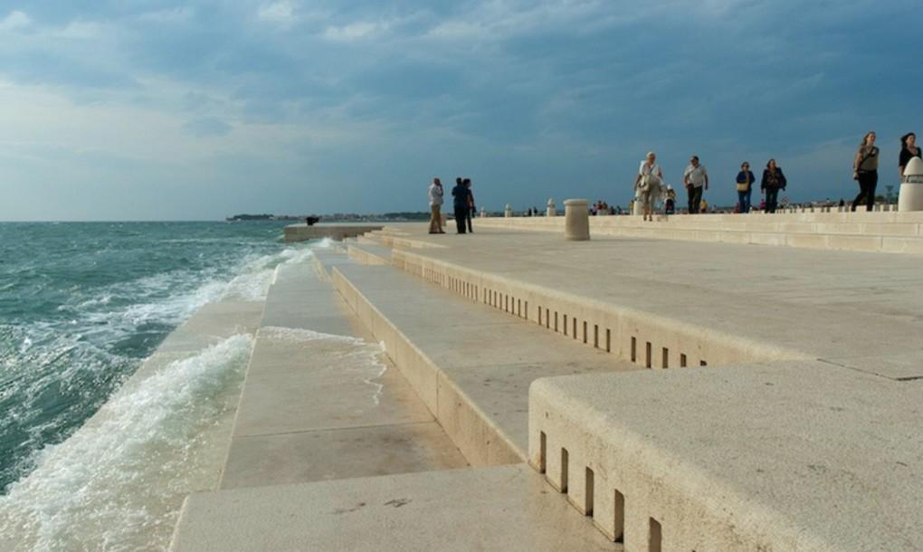 Orgona, amely a tenger hullámait használja
