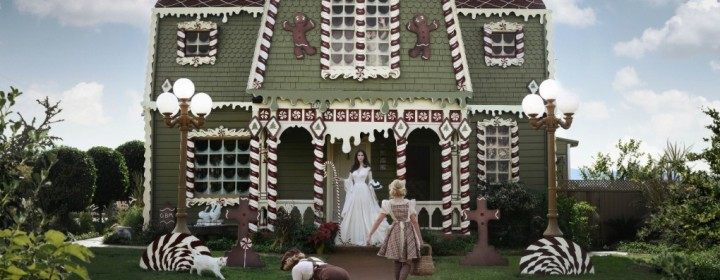 Gingerbread-House-Exterior-Christine-McConnell o
