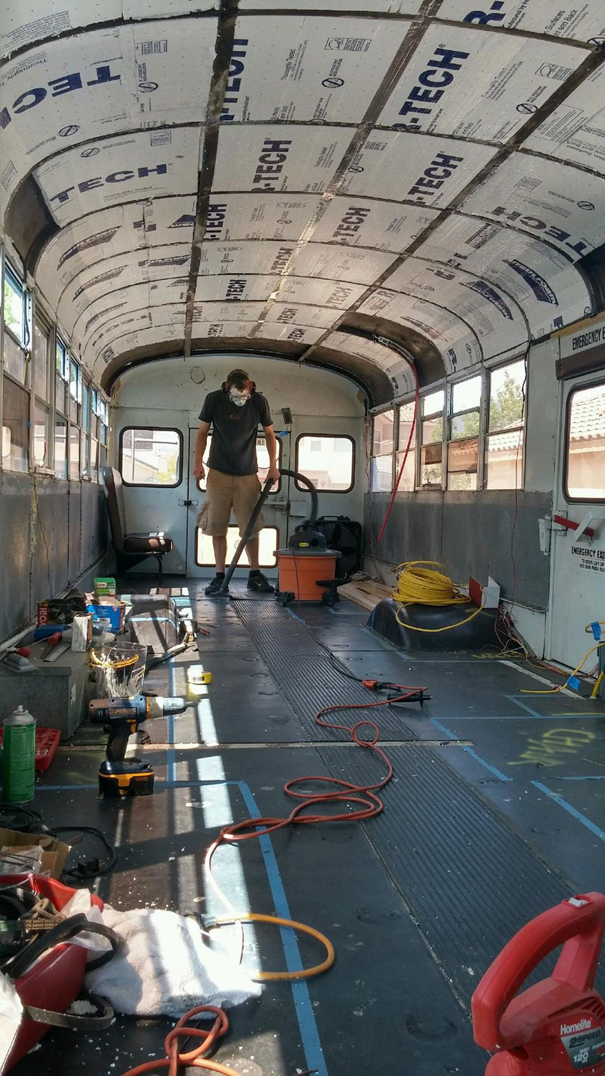 school-bus-dream-home-motor-patrick-schmidt-37