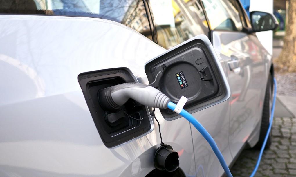 Quebec-Home-EV-Charging-BMW-i3-3-1020x610