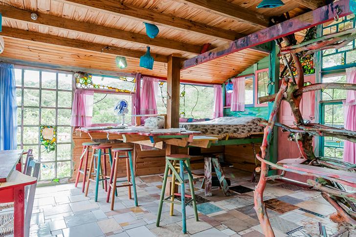Jaime-Recycled-Cabin-Brazil-Cabana-Floripa-2
