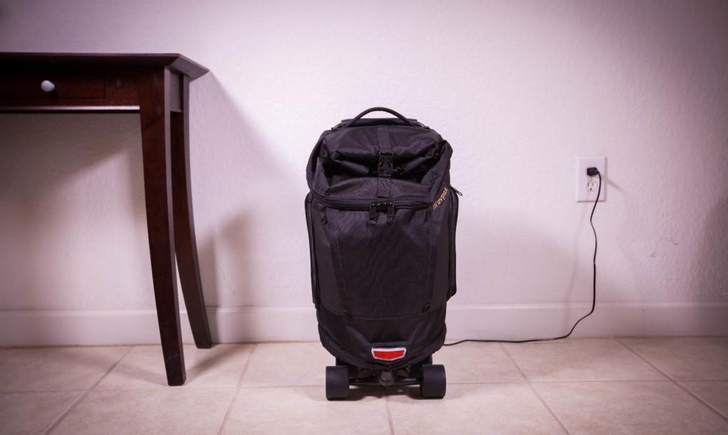 Movpak – az elektromos gördeszka, amely igazából egy bőrönd