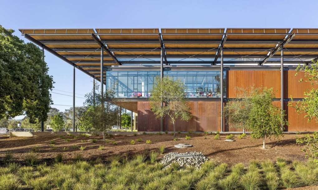 Stanford-University-Central-Energy-Facility-by-ZGF-Architects-2-1020x610