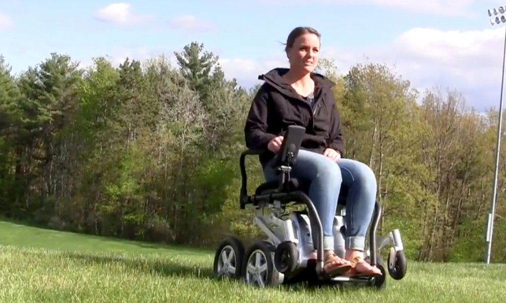 Toyota-iBOT-Wheelchair-in-Motion-1-1020x610