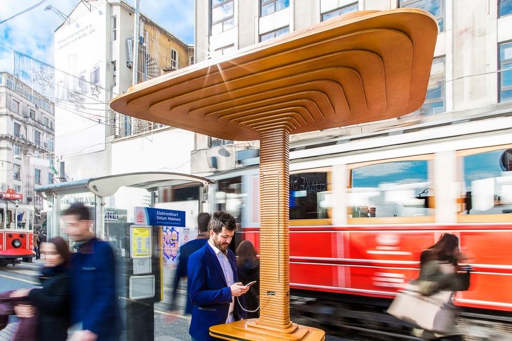 Napelemes okososzlopokat helyeztek ki Isztambulban