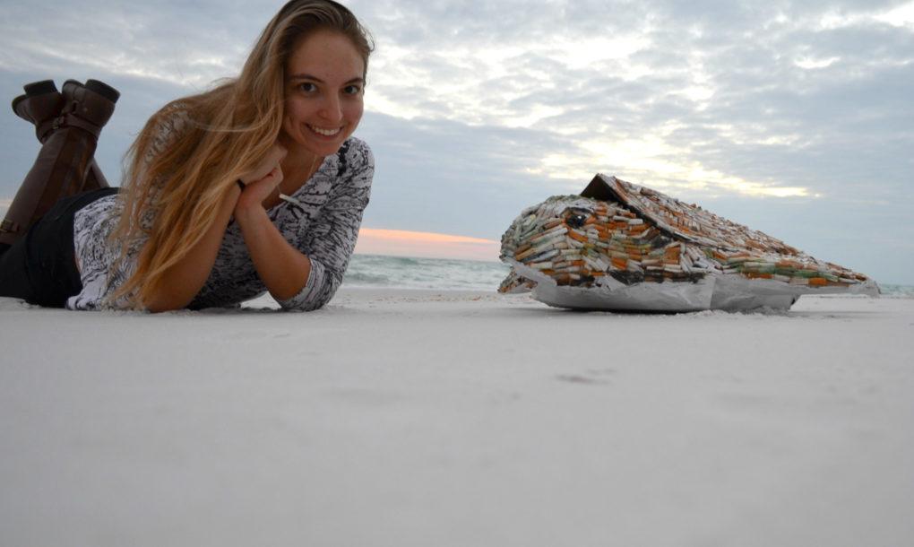 Ő Cig, a szemétből készült tengeri teknős