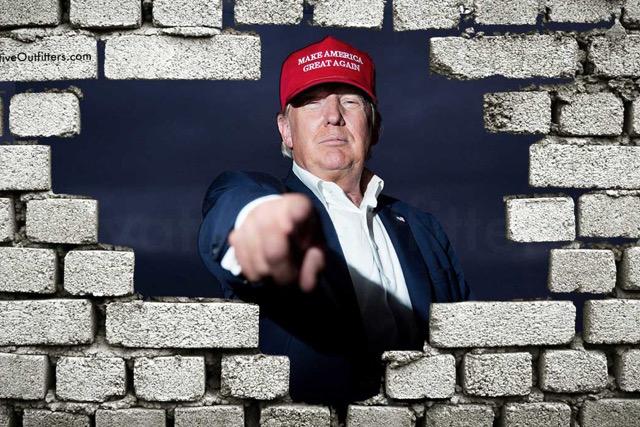 Trump napelemekkel borítaná be a mexikói határfalat
