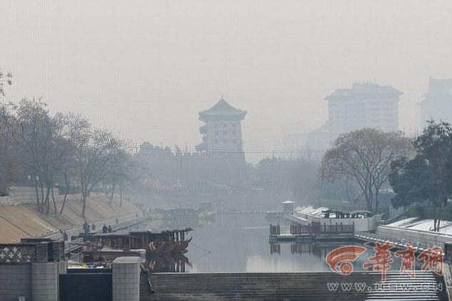 100 méter magas légtisztító torony épült Kínában