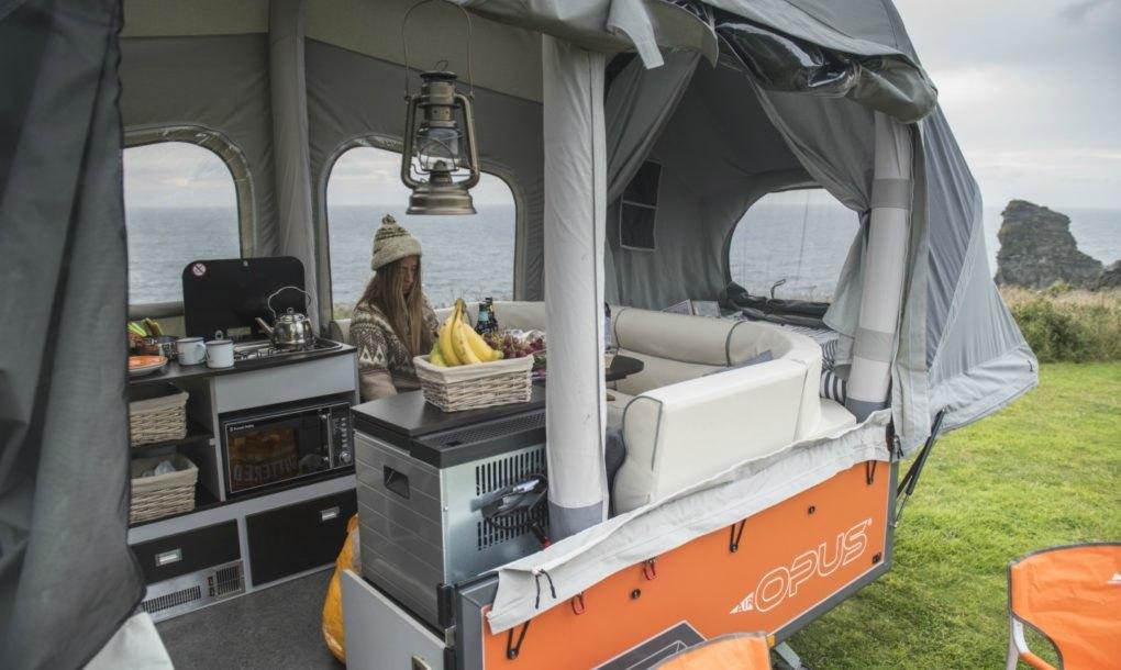 Légmerevítős lakókocsi – Galéria