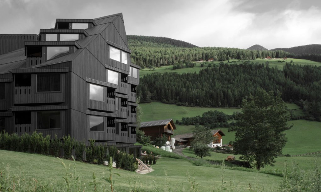 Hotel-Bühelwirt-by-Pedevilla-Architects-1-1020x610