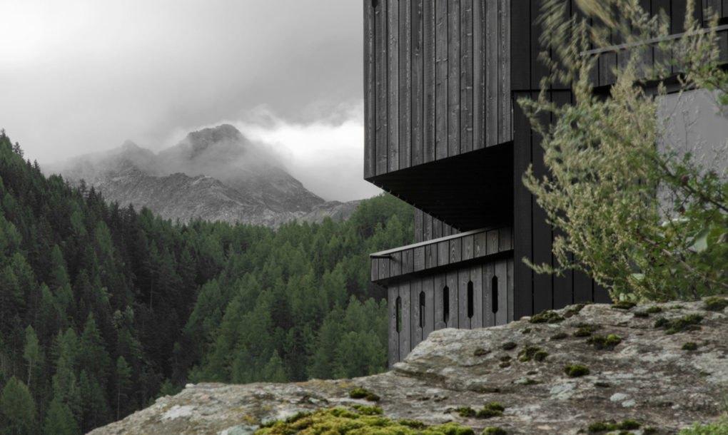 Elképesztően látványos, díjnyertes szálloda nyílt az olasz alpokban – Galéria