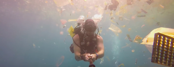 Rich_Horner_diving_in_Bali.png.860x0_q70_crop-scale