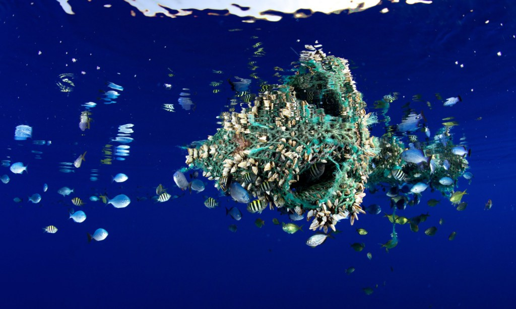 plastic-annd-the-ocean-the-full-scale