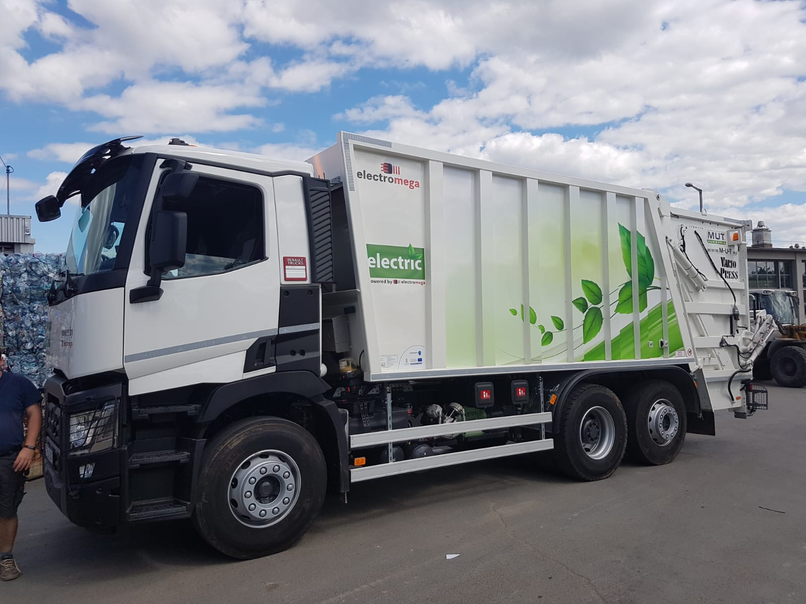 Lovas kocsis hulladékszállítás és Elektromos hulladékgyűjtő – Innovatív megoldások a hulladékgyűjtésben és -szállításban